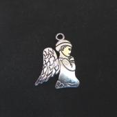 Colgante niño angel aleacion de metal plata vieja 24x20mm.