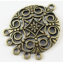 1 unidades. Conector metálico chandelier bronce antiguo 31x24x2mm. Agujero 2mm