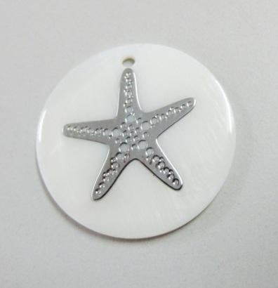 Colgante Nacar 25mm con adorno plateado estrella de mar