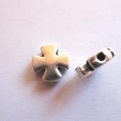 Abalorio estrella aleación de metal color plata vieja  11x11x3mm. Pase 1.5mm