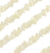 240 unid. Aprox. Chips nacar blanco 8~14mm. Agujero: 0.5~0.6mm