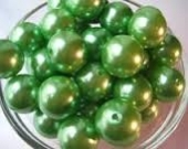 20 unidades. Abalorios acrilicos verde 10mm. Pase 2,5mm