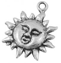 1 unidad. Colgante sol aleación de metal color plata vieja  23x19x3mm.